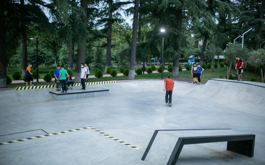 ვეტერანთა კულტურისა და დასვენების პარკში სკეიტ პარკი გაიხსნა