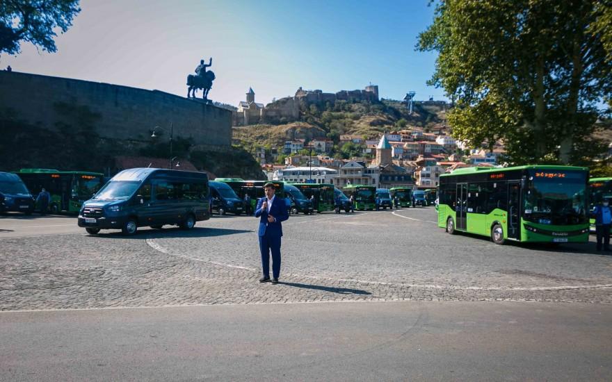 თბილისს დამატებით 30 ახალი ავტობუსი და 90 მიკროავტობუსი შეემატა