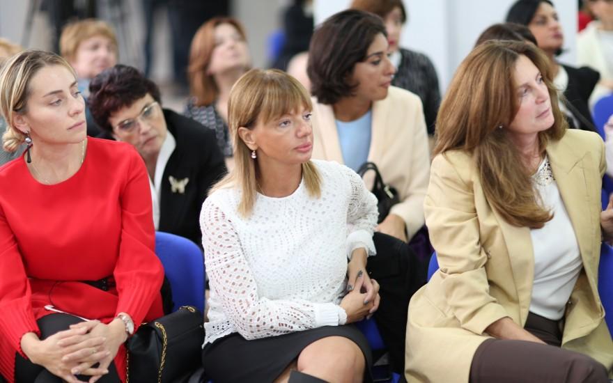 შეხვედრა სხვადასხვა სექტორში მოღვაწე ქალებთან
