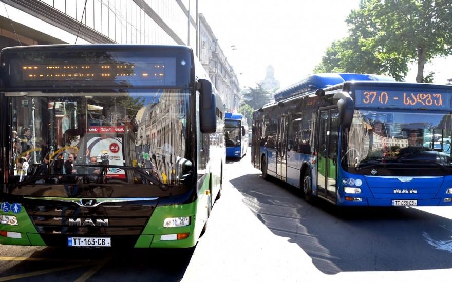 დღეს თბილისში ახალი, მწვანე ავტობუსები ხაზზე გავიდა