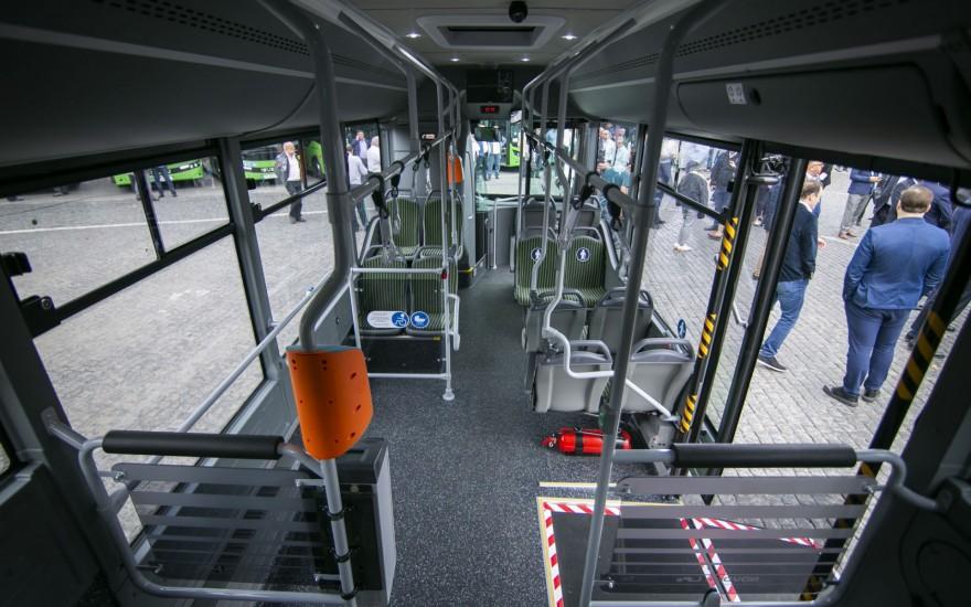 თბილისში ISUZU-ს მარკის 8-მეტრიანი ავტობუსები შემოვიდა