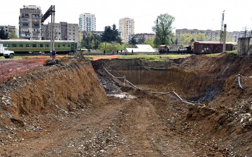ზემო და ქვემო ფონიჭალის დამაკავშირებელი გზაგამტარის მშენებლობა